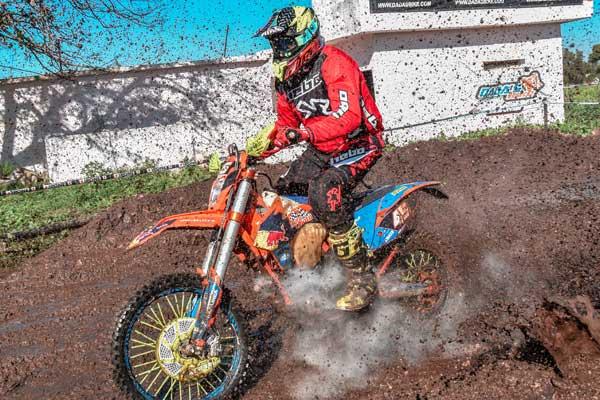 LähetäKuva TarkistaKilpailijat - 5 asiaa sinun täytyisi tietää live-vedonlyönnistä Motocross-kilpailuissa